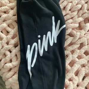 🌸🌸VICTORIA SECRET CROPPED SWEATPANTS🌸🌸